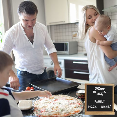 19_NaturaHappy_Letter_Board_Menu_Family_Pizza_Night