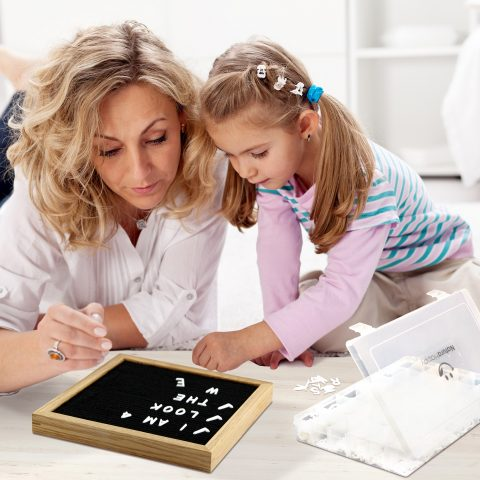 22_NaturaHappy_Letter_Board_Mother_Daughter_Learn_Spell